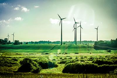 éoliennes champ contrejour